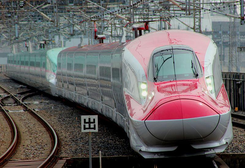 800px-E6-E5-Coupling_in_omiya_20130320